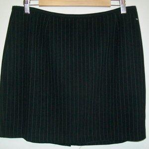 Ann Taylor LOFT sz.14 black pin striped mini skirt